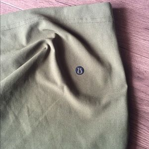 Men's Lululemon shorts (forest green) - waist 32